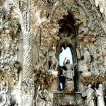 Zoom in the façade (2011) : Image Courtesy Antoni Gaudi