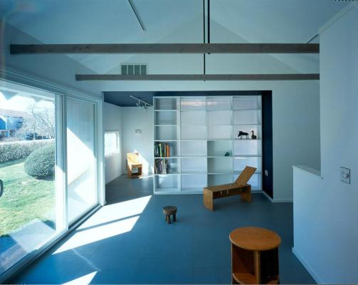 "BARN ROOM VIEWING ""BOXED LIGHT"": A TRANSLUCENT PARTITION/SHELF  : Image Courtesy © Peter Mauss"