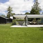 Pavilion in relation to the house, Image Courtesy © Emma-Jane Hetherington