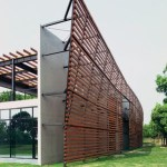 West end of the trellis wall in the south elevation, Image Courtesy © Miao Design Studio
