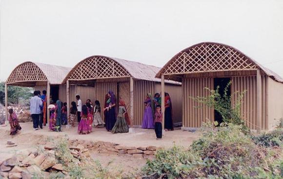 Paper Log House, Bhuj, India, 2001, Photo by Kartikeya Shodhan