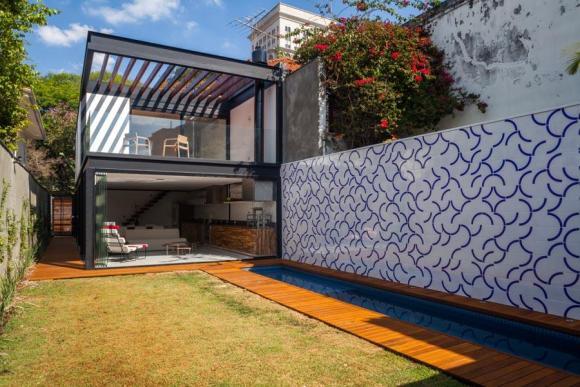 Image Courtesy © CR2 Arquitetura