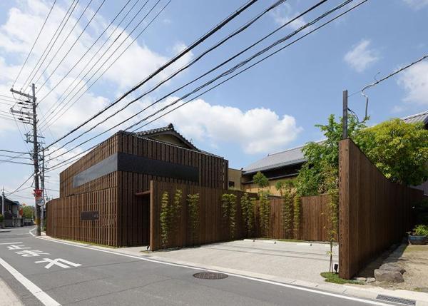 Facade.(daytime), Image Courtesy © Yasutake Kondo