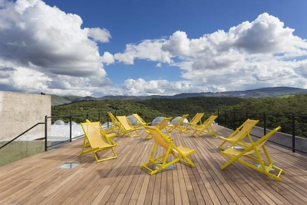 Deck on the Gallery rooftop, Image Courtesy © Gabriel Castro