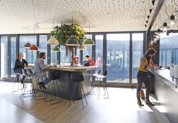 Second Floor_Meet & Create_Coffee Point_Sunshine Bar, Image Courtesy © Thomas Beyerlein