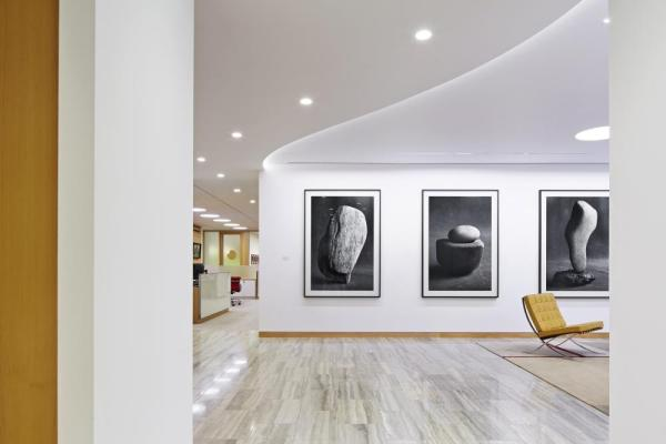 Reception waiting area, Image Courtesy © Paul Riddle