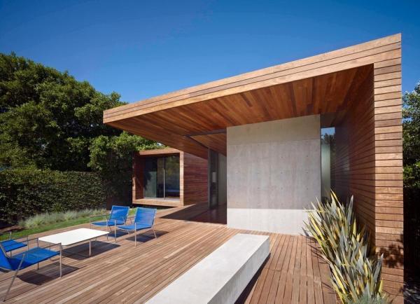 garden deck area, Image Courtesy © Bruce Damonte