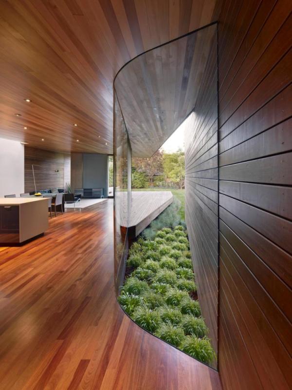 Transparent Hallway, Image Courtesy © Bruce Damonte