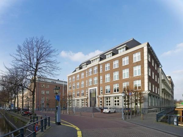Main entrance Nieuwe Uitleg, The Hague, Image Courtesy © Petra Appelhof