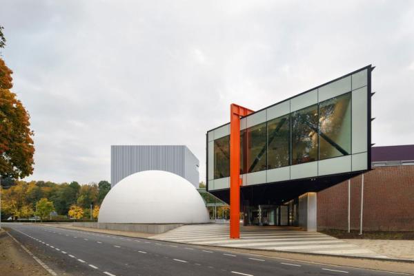 Eastern entrance, Image Courtesy © René de Wit
