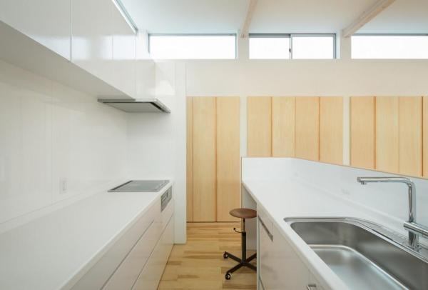 view kitchen, Image Courtesy © Takumiota