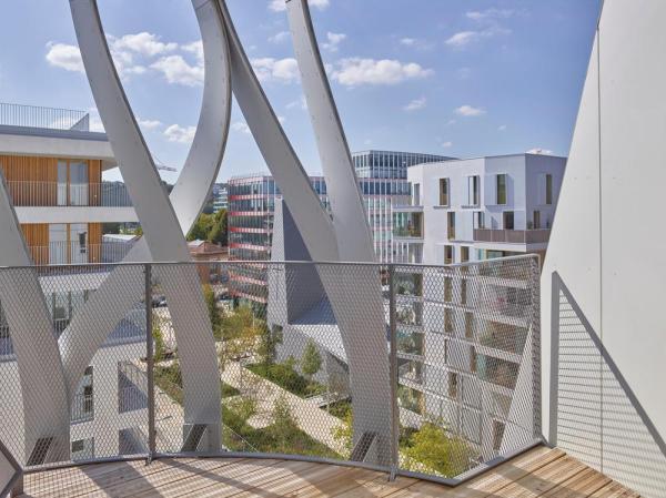 view balcony, Image Courtesy © Stéphane Chalmeau