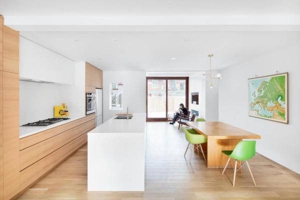 Kitchen and dining room, Image Courtesy © Adrien Williams