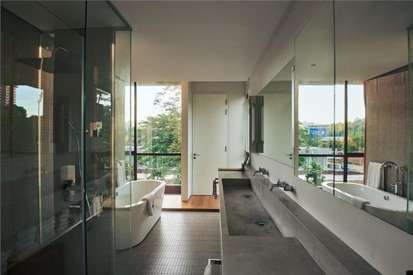 Master Bathroom, Image Courtesy © Keat Song (Staek Photography)