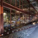 The new steel and glass facade, Image Courtesy © Hypothesis