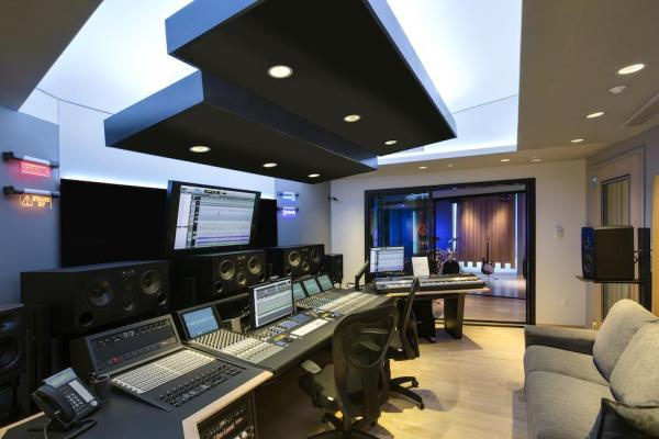Studio view towards ISO 2, Image Courtesy © Cheryl Fleming Photography