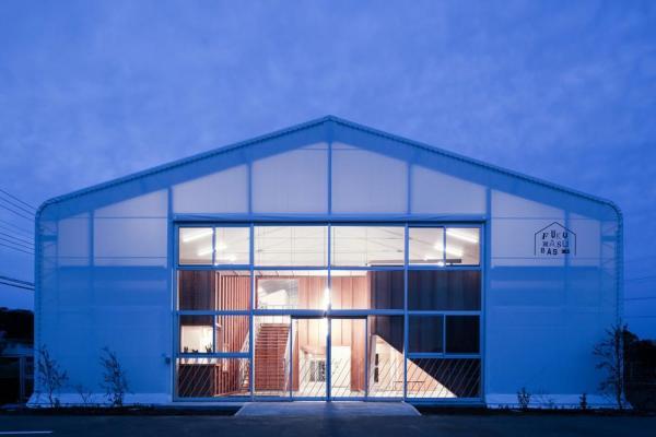 Night view of the west facade, Image Courtesy © Yasutaka Yoshimura