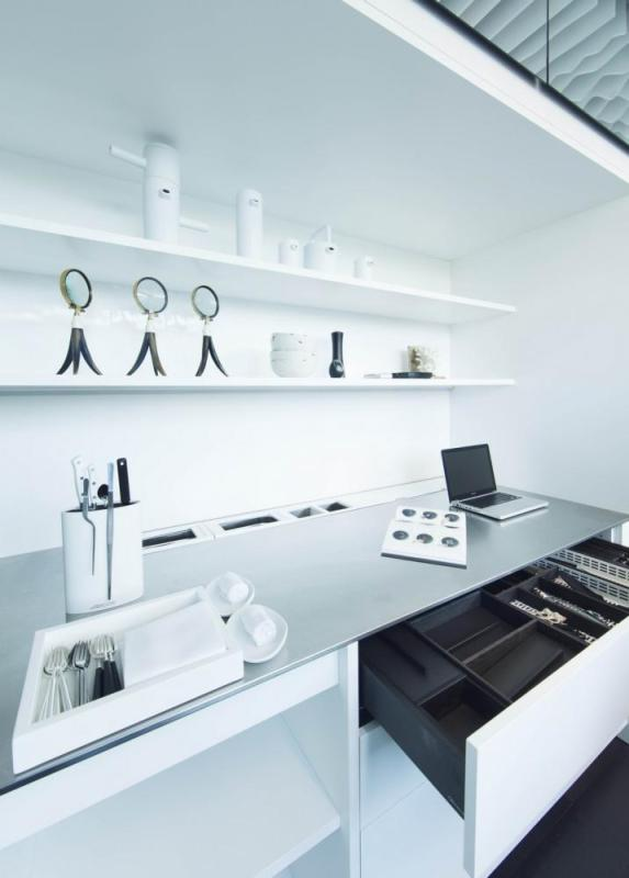The research area, with clean and hygienic materials, Image Courtesy © Alfonso Calza