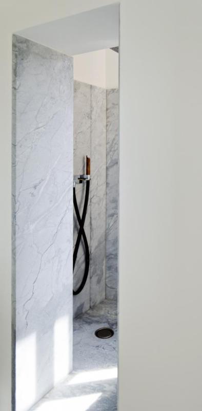 Shower, Image Courtesy © Mickaël Martins Afonso