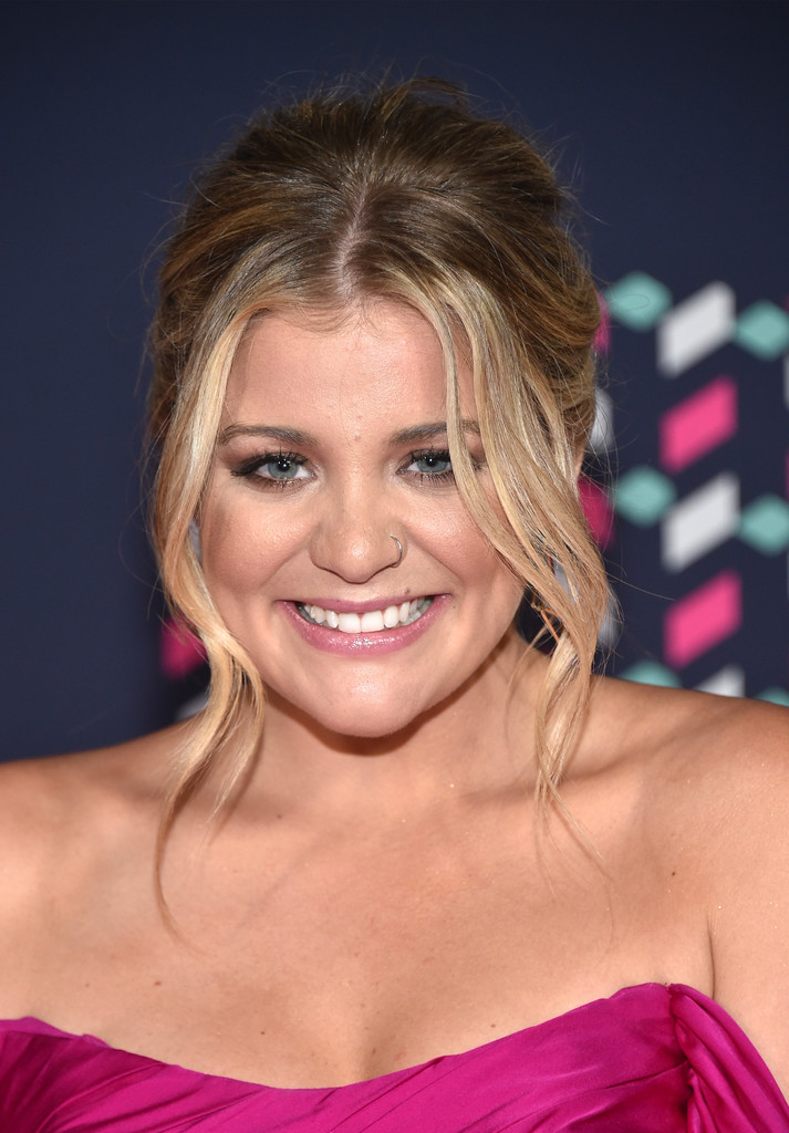 Fashion Clothes Lauren Alaina Long Hairstyles Looks - Stylebistro