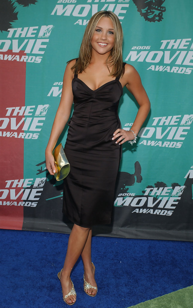 Linda Hogan Amanda Bynes In 2006 Mtv Movie Awards - Arrivals - Zimbio