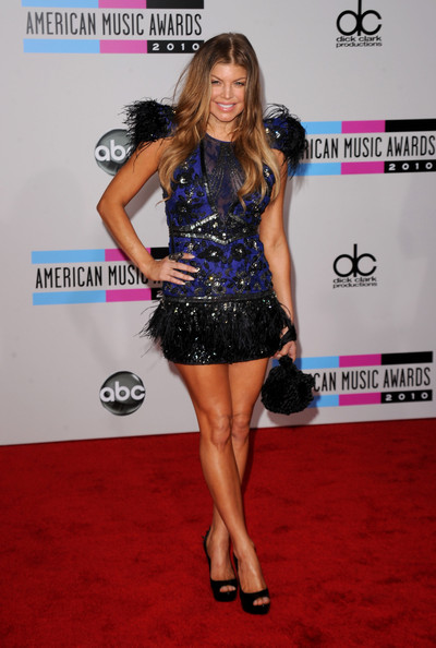 Fergie+2010+American+Music+Awards+Arrivals+GGaICg9mTHbl American Music Awards: Fergie Rocks Two Statement Minis %tag