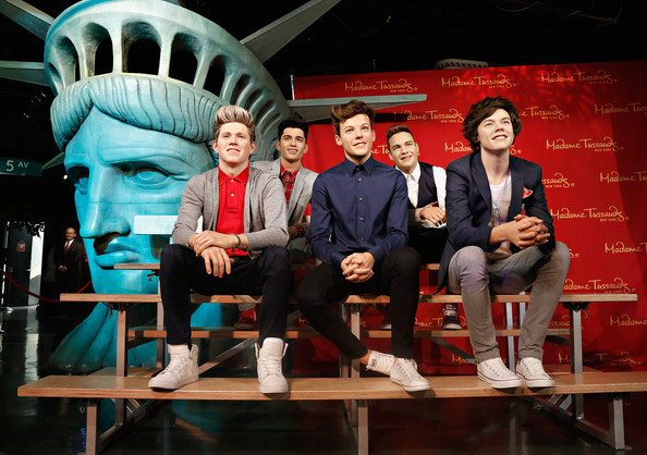 Fall In Nyc Wallpaper Harry Styles Photos Madame Tussauds Launches Summer Of