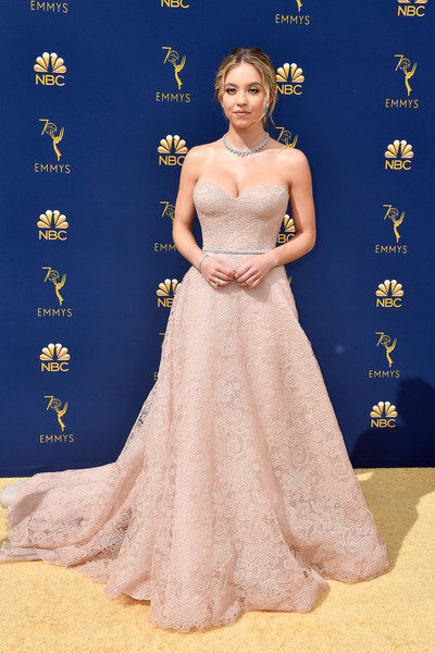 Hairstyles For Short Hair Over 70 Sydney Sweeney Every Stunning Dress On The Emmy Awards