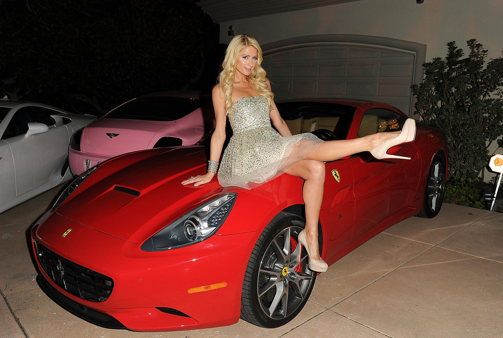 Latest Car Wallpaper 2014 Paris Hilton Knows How To Throw A Holiday House Party