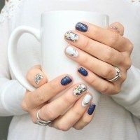 Mix It Up With These Mismatched Nail Designs - Livingly