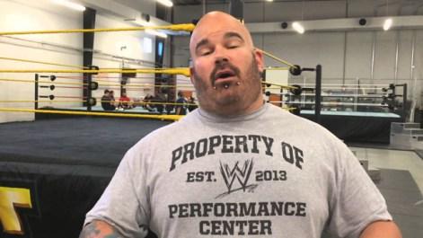 Wwe تبحث عن المزيد من المصارعين في الولايات المتحدة