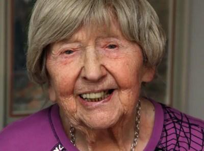 Bloggaren Dagny Carlsson, 104, om nyårsfirande och löften | Nyheter | Expressen