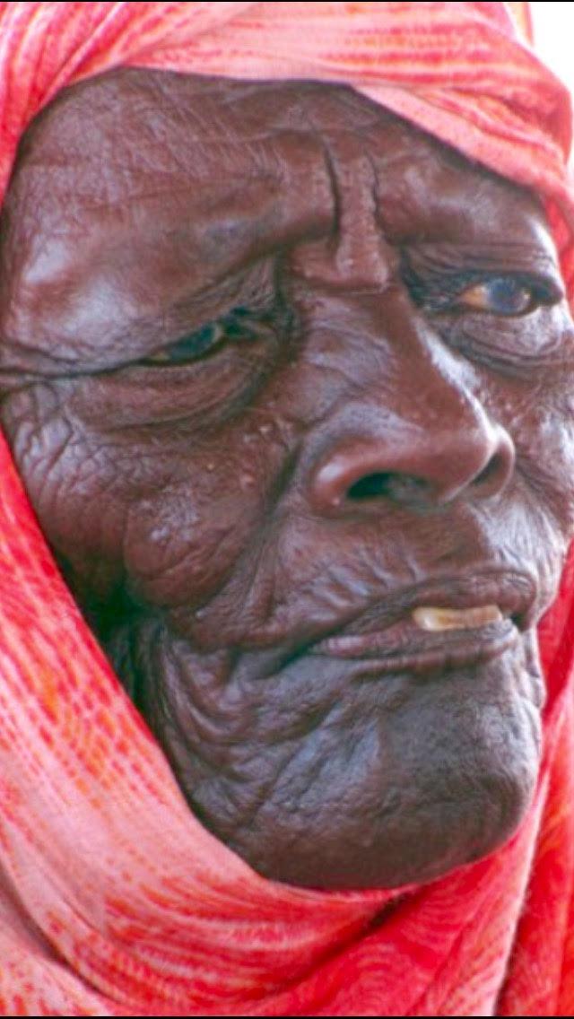 vieille-femme-esclave