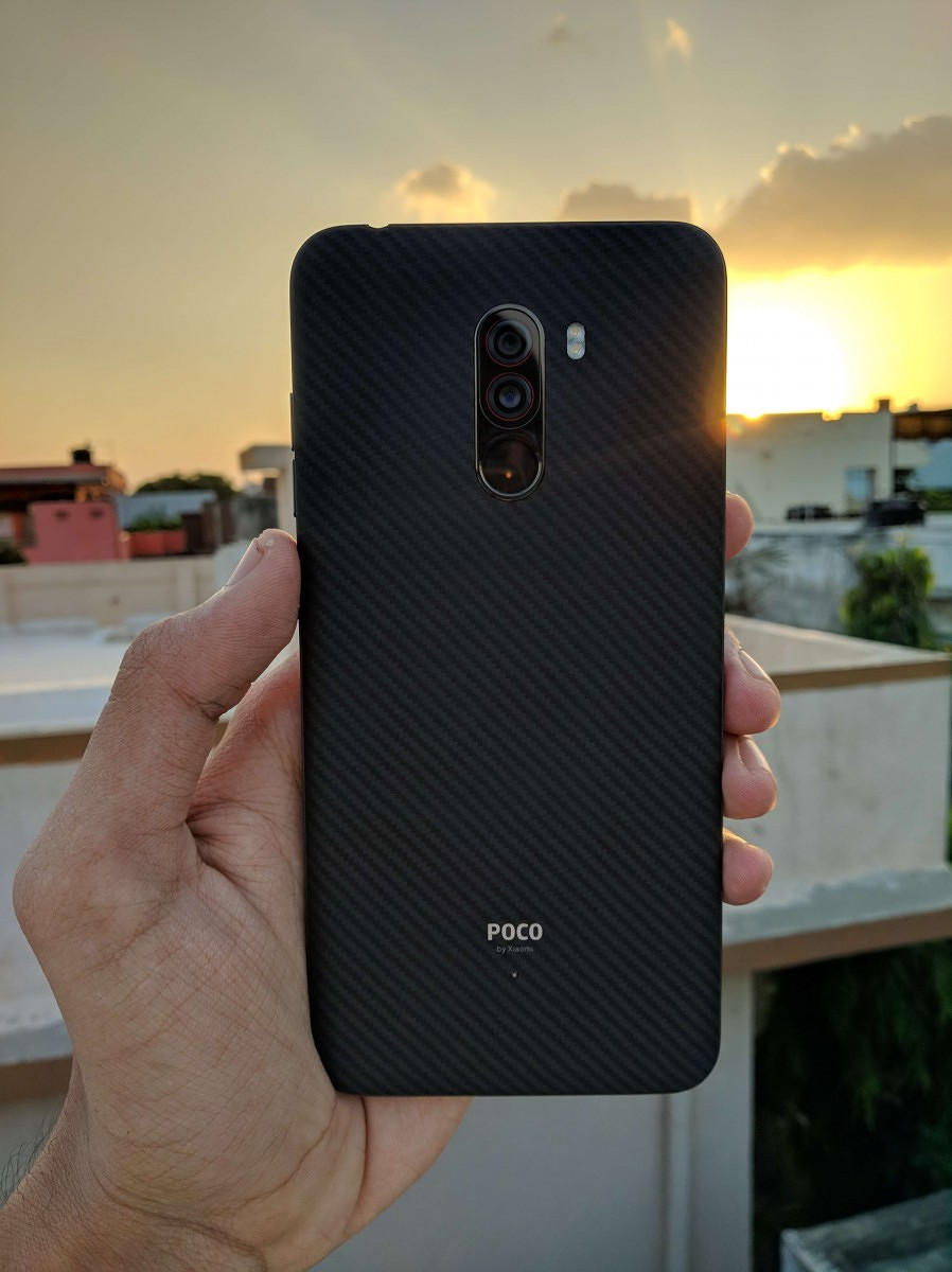 Bad Set Poco Xiaomi Poco F1 Design Display Speed And Smoothness Review