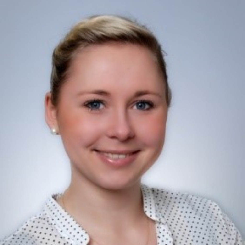 Immobilien Postbank Isabell Reimann - Recruiter - Daimler Group Services