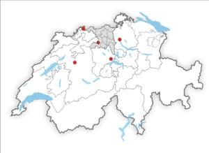 Kölliken liegt im Südwesten des Kantons Aargau, zentral im Mittelland.