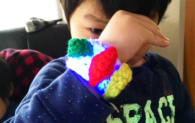 かぎ針:100均素材で5才児が満足するレベルのZリングを編む!【ポケモン】