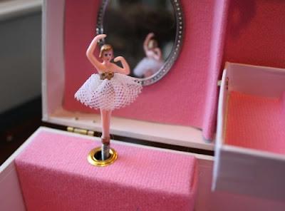 cajita de musica con bailarina