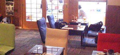 猫カフェ レオン店内