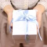 初任給で両親にプレゼント、予算1万円以内で両親が喜ぶモノ3選!