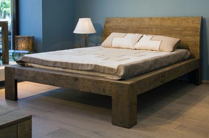 Möbel aus Gebrauchsholz