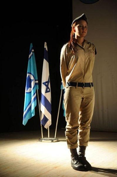イスラエル軍の女性兵士125