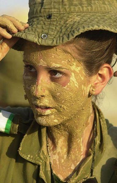 イスラエル軍の女性兵士136