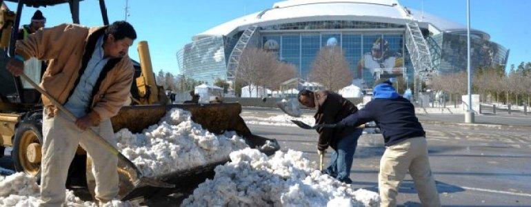 super-bowl-snow-02122013