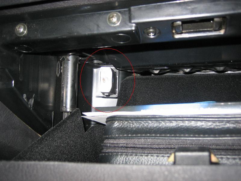 Flashlight In Glove Box Page 3 Xoutpostcom