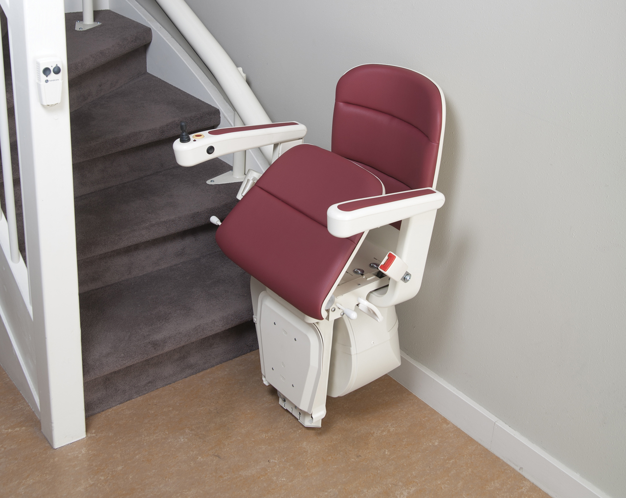 Treppenlift Handicare Rembrandt Stylish Curved Stairlifts With A Single Rail By Xpress Lifts
