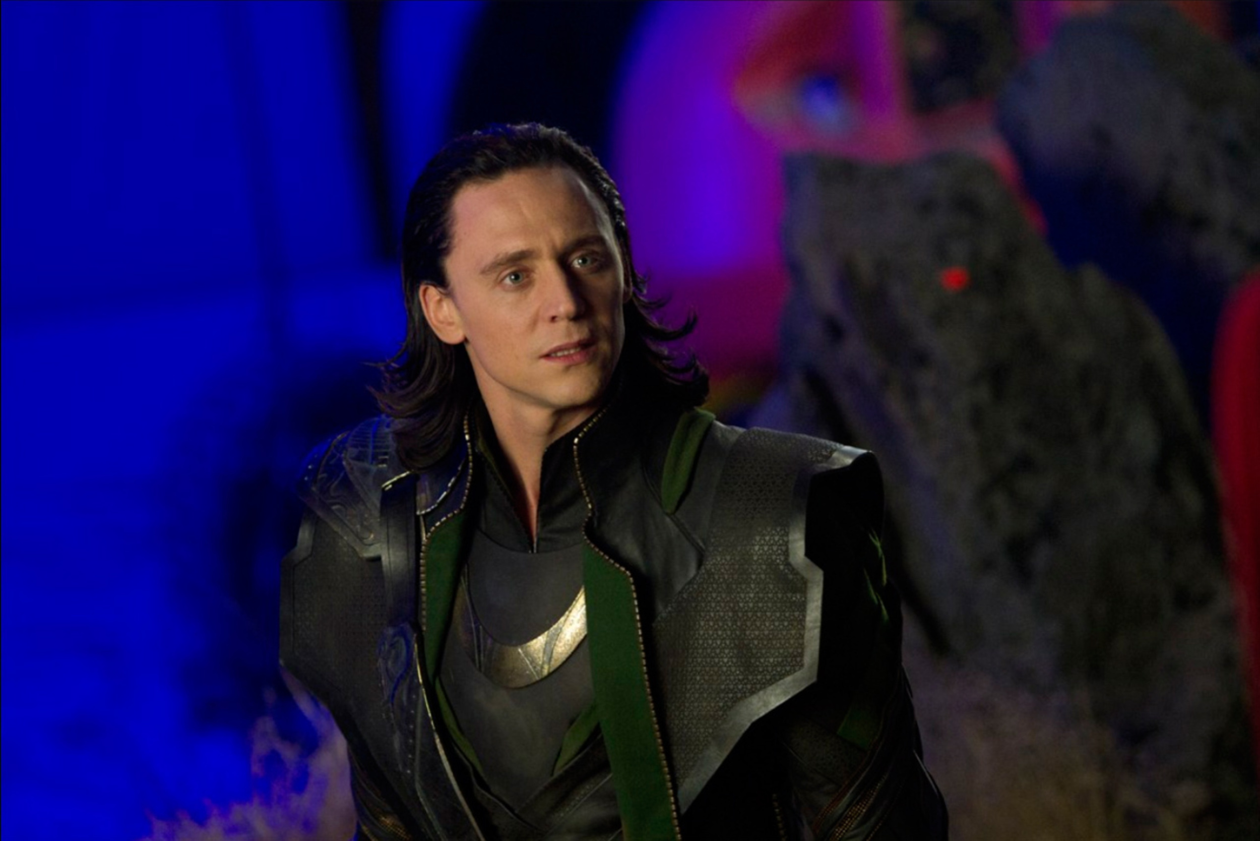 Watch First Loki Trailer Unites Tom Hiddleston And Owen Wilson Yardbarker