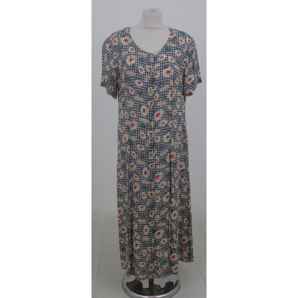 Vintage Gläser Vintage 70s Glaser Size 16 Navy White Check With Daisies Button Through Dress Oxfam Gb Oxfam S Online Shop