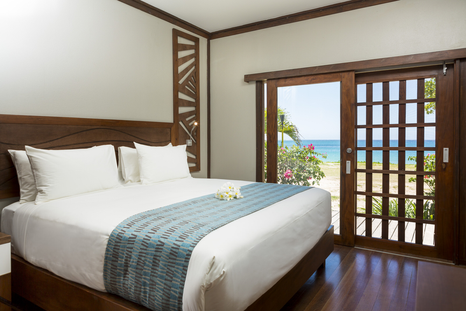 Lc Spa Yatule Resort And Spa Deluxe Beachfront Bure