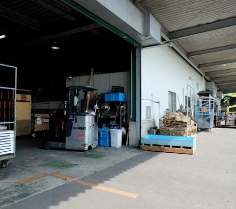 DSCF0883倉庫入り口